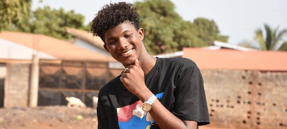 Zoom sur l'artiste Alpha, frère du chanteur Dioumessy mort dans un accident tragique