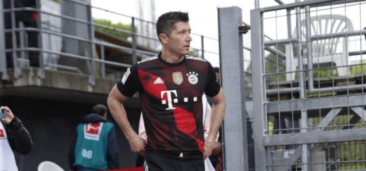 Sports | Bundesliga : Lewandowski égale le record de Gerd Muller